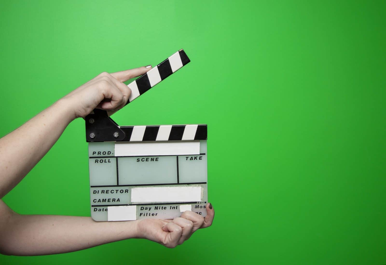 How To Use A Green Screen For Online Teaching